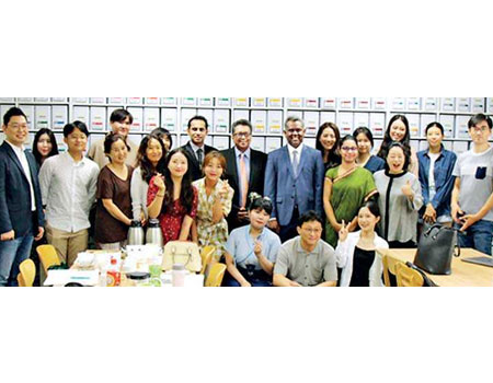 Meeting of the students of the Tea Sommelier Institute of the Republic of Korea by Chargé d' Affaires of the Embassy of Sri Lanka in the Republic of Korea Jagath Abeywarna and Sri Lanka Tea Board Chairman Lucille Wijewardena on 8 August