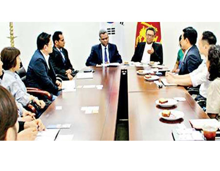 The meeting conducted at the Embassy premises with the participation of Chargé d' Affaires of the Embassy of Sri Lanka in the Republic of Korea Jagath Abeywarna, Sri Lanka Tea Board Chairman Lucille Wijewardena, importers of Ceylon tea and Heads of Tea Associations in the Republic of Korea, on 7 August