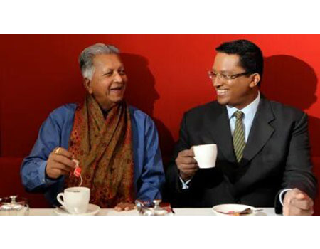Father and son, Merrill and Dilhan Fernando, founders of Dilmah tea in 2013. CREDIT:JANIE BARRETT