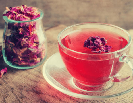 Rose Green Tea strengthens your immune system and keeps infections at bay.