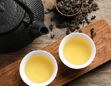 Oolong aids in improving metabolism, skin, and hair health.